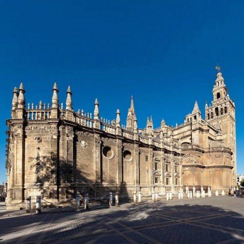 Vista Lateral de la Catedral y de la Giralda